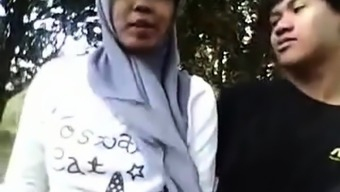 Jilbab teen X Videos - TubXPorn